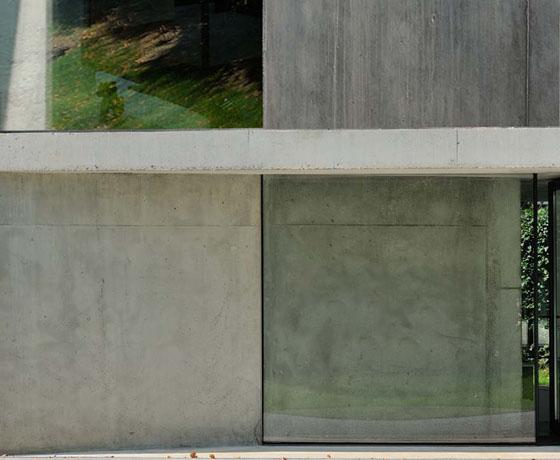 Architecte maison contemporaine haute savoie- Architecture minimaliste matériaux bruts béton