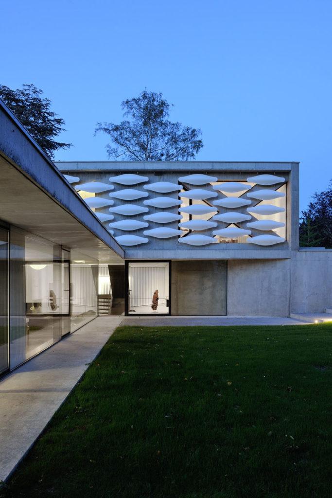 Maison moderne grands vitrages au bord du lac Annecy - Architecte maison contemporaine annecy