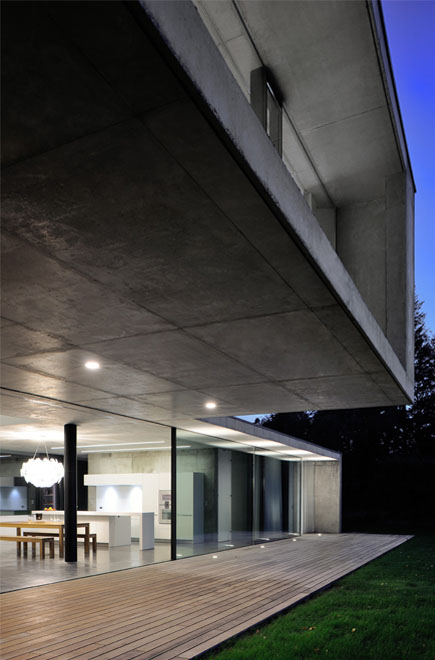 Maison Pierre Minassian architecture contemporaine en beton brut