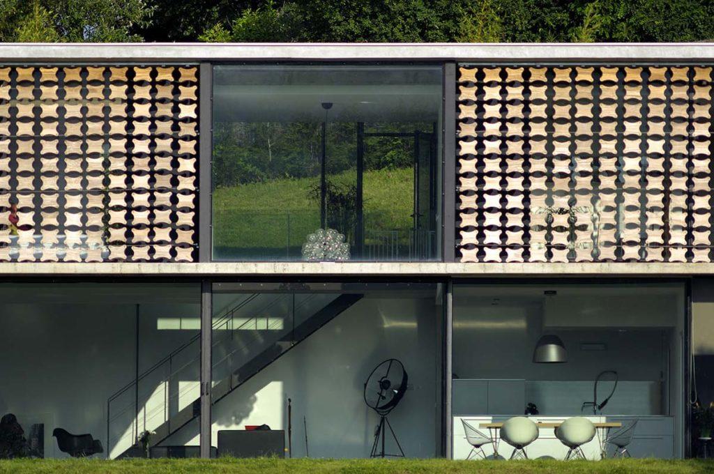 maison contemporaine en beton brut dans les monts d or a limonest maison biscuit