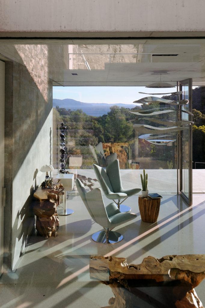 maison-mira-ra -01-aum-minassian-architectes-architecture-maison-contemporaine-materiaux-beton-acier-brut-sud -france (17)